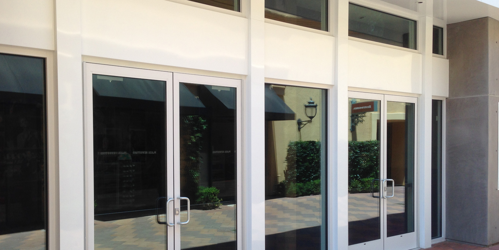 Broadway Glass & Mirror, Inc. | Long Beach, CA | Glass Windows ...